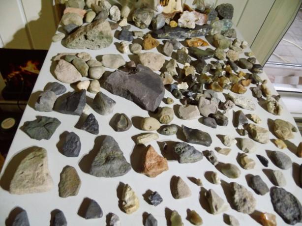 Steentijd stenen vondsten strijdbijl pijlpunten